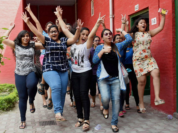 Girls Beat Boys in Maharashtra HSC Result 2016